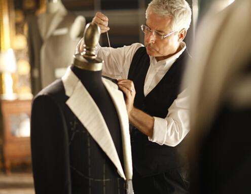服装行业怎样实现智能定制?|最正规的服装设计学校